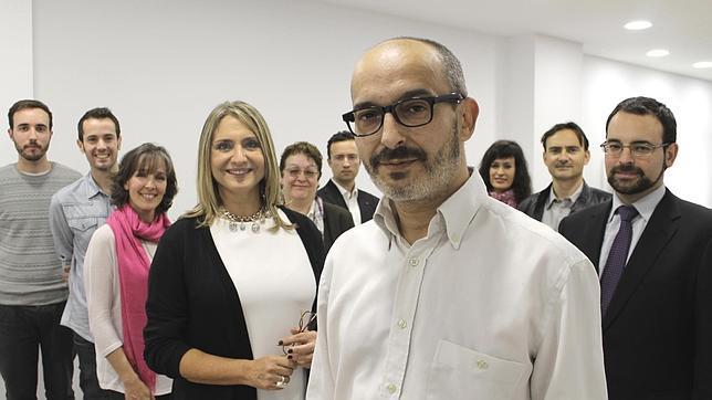 Eduardo Gómez, junto al resto de candidatos, este viernes en la sede de UPyD
