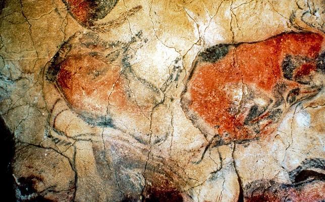 Fotografía de archivo, tomada en junio del año 2000, de las pinturas rupestres en las Cuevas de Altamira