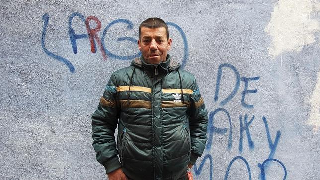 Juan Manuel se enganchó a la drogas cuando era joven, en Vilagarcía. Su esposa también. Ella perdió la vida con 40 años víctima de la hepatitis. Él fue condenado por tráfico de drogas y atracos