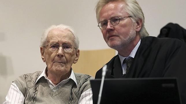 El «contable» de Auschwitz admite su responsabilidad «moral» en las muertes