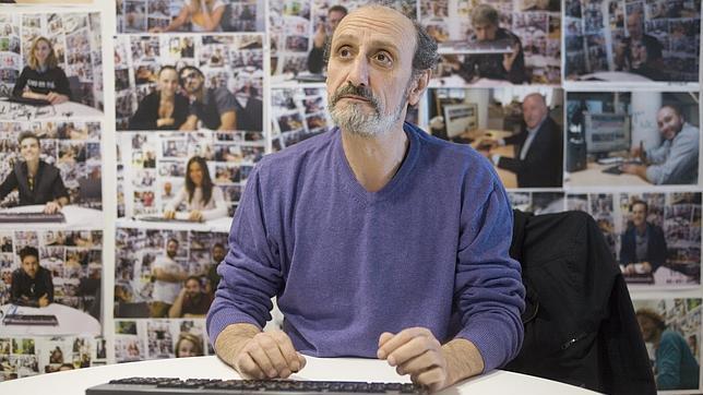 José Luis Gil en la sala donde se realizan los encuentros digitales en ABC