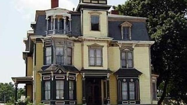 En venta la casa encantada m s famosa de massachusetts - Casa galicia leon ...