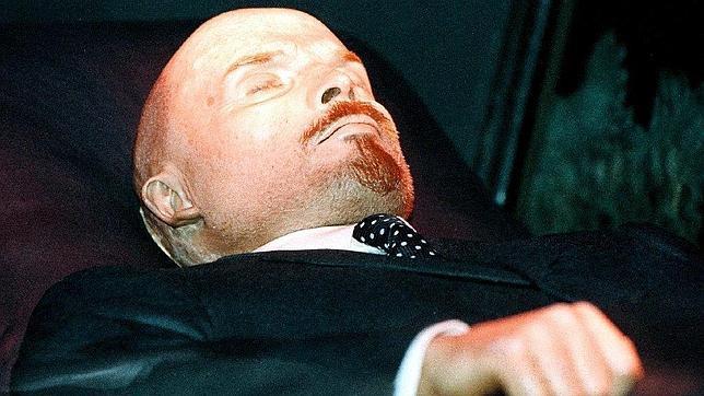 Desvelan los extraños métodos usados por los científicos de Stalin para embalsamar el cadáver de Lenin