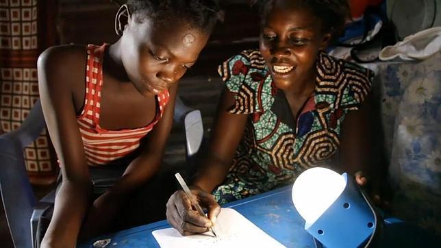 La tecnología LED solar podría evitar la pobreza de la luz a 1.300 millones de personas en el mundo
