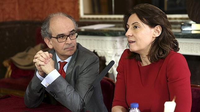 El director del teatro de la Zarzuela, Paolo Pinamonti, y la directora general del Inaem, Montserrat Iglesias