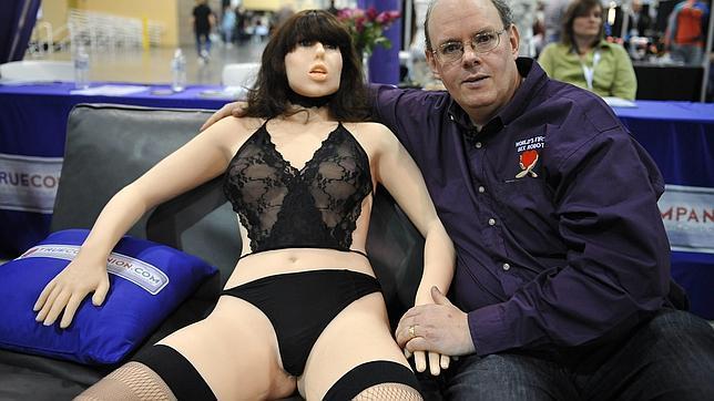 Los robots sexuales ser n comunes en el futuro - Robot que limpia el piso ...