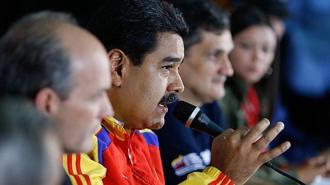 Maduro amenaza con «responder a todas las mentiras e insultos» de la prensa española