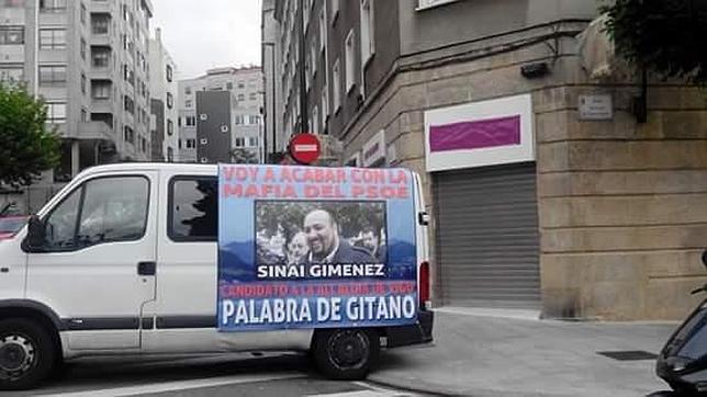 Una furgoneta hace campaña por el Obama gallego.