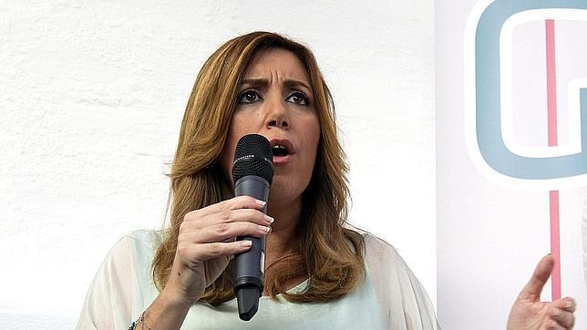 Susana Díaz destaca «el gesto ejemplar» de los tres ciudadanos que ayudaron a los tripulantes del avión