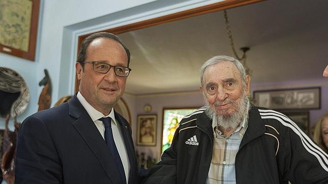 Hollande se despide de Cuba y de los Castro tras una reunión histórica