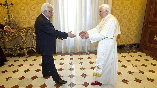 El papa Benedicto XVI recibió en 2012 al presidente de la Autoridad Nacional Palestina, Mahmud Abás