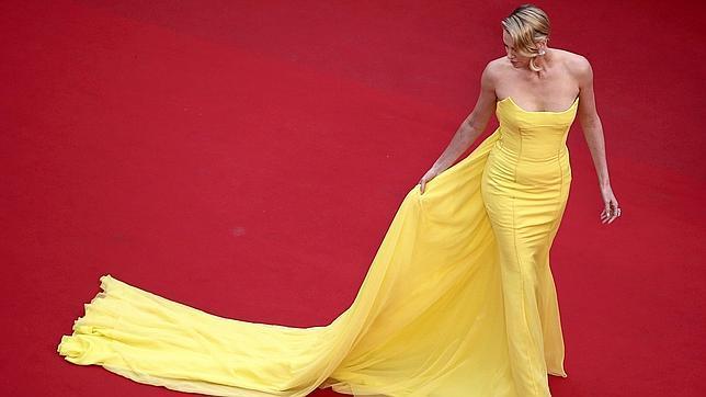 Charlize Theron el pasado jueves con un Dior Couture Amarillo
