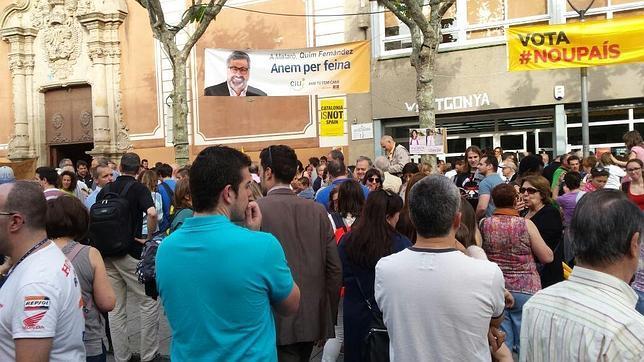 Manifestación frente a la escuela pia Santa Anna de Mataró (Barcelona)