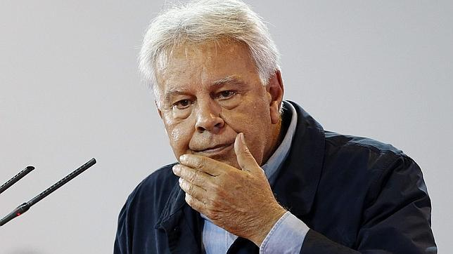 Felipe González suspende temporalmente su viaje a Venezuela