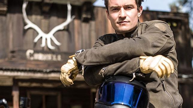 Orlando Bloom siente pasión por las motos, sobre todo por las BMW