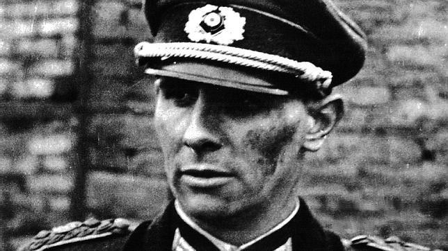 Remer, con uniforme