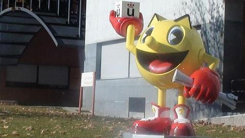 La estatua de Pac-Man en la Universidad Rey Juan Carlos
