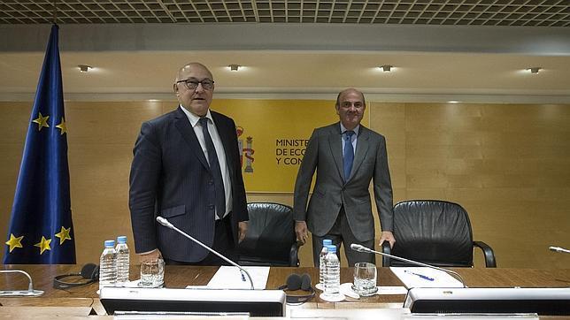 De Guindos y Sapin, esta tarde en Madrid tras la reunión mantenida en el Ministerio de Economía