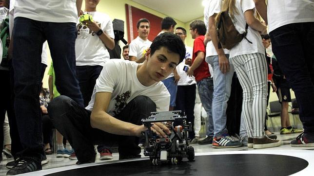 La competición se ha celebrado en el salón de grados del edificio Sabatini, en la Fábrica de Armas