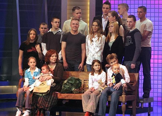 Una madre alemana de 65 años y con 13 hijos da a luz a cuatrillizos