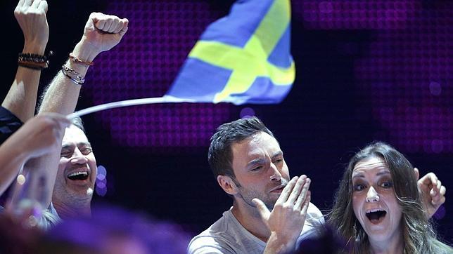 El representante de Suecia celebra el triunfo
