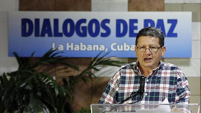 Las FARC siguen con el diálogo de paz, pero avisan de que los ataques son un paso atrás
