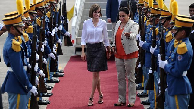 La Reina Letizia a su llegada a Tegucigalpa