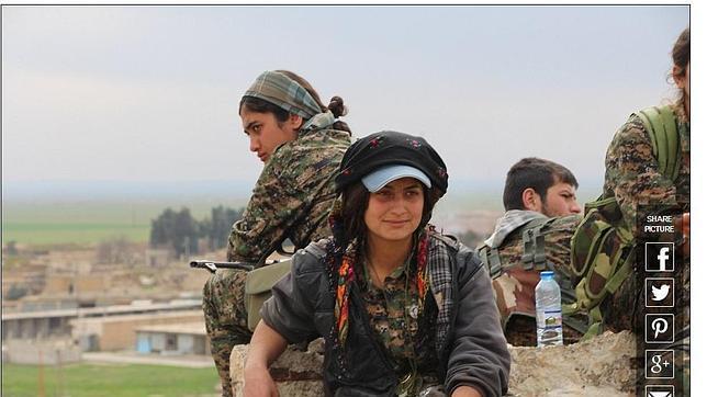 Combatientes del batallón femenino kurdo YPJ, que participó en los combates