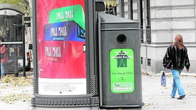 Wifi gratis en los nuevos chirimbolos publicitarios de - Mobiliario urbano madrid ...