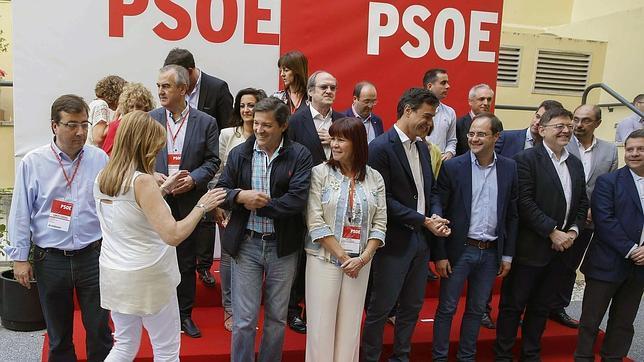 Sánchez cierra la puerta a los pactos con el PP que pide Díaz