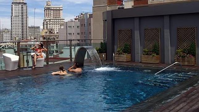 Las diez piscinas m s ex ticas en madrid for Piscinas publicas madrid centro