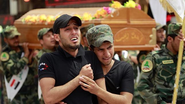 El Ejército de Irak se convierte en una milicia sectaria que huye de los yihadistas