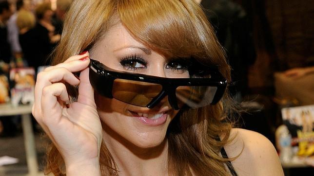 La actriz de cintas para adultos Monique Alexander durante la Feria de Contenido Para Adultos de Nevada, en 2011