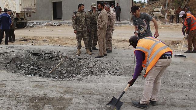 Lugar donde un kamikaze del estado Islámico atacó a la entrada de Dafiniyah (Libia)