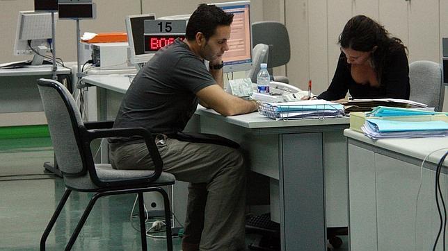 el paro baja en personas en mayo en la provincia de ForOficina Empleo Alicante