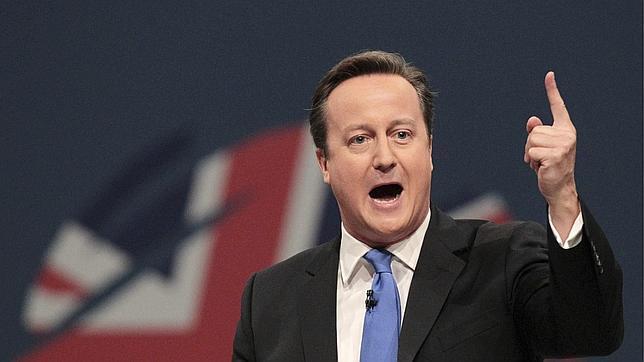 El primer ministro británico, David Cameron, pronuncia un discurso durante la clausura del congreso del Partido Conservador, en Manchester (Reino Unido)