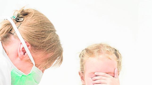 Los padres del niño con difteria aceptan ahora vacunar a su otra hija
