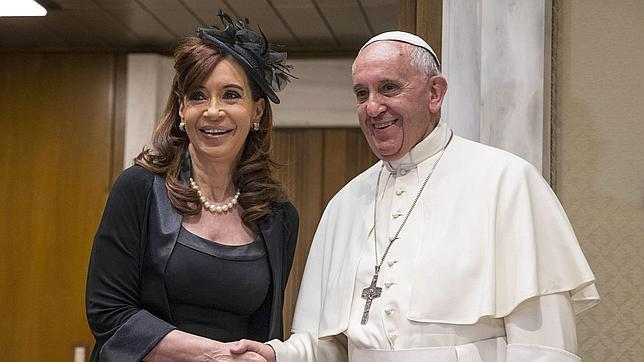El Papa Francisco junto a Cristina Fernández, este domingo en El Vaticano