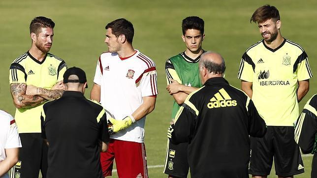 Los jugadores del Madrid, molestos con Gerard Piqué