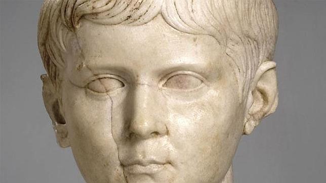 Retrato escultórico de Lucio César conservado en el Museo de Cuenca