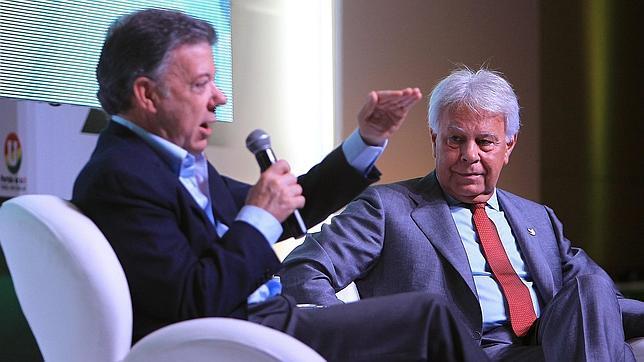 Santos autorizó el envío de un avión de la Fuerza Aérea a Caracas para buscar a González
