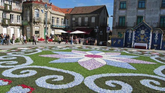 Ruta por una galicia alfombrada de flores - Alfombras toledo ...