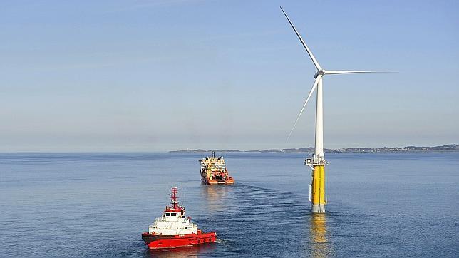 La mayor turbina e lica sobre el mar en mundo estar en for Piscina molino de viento y sombrilla