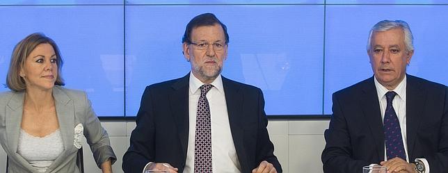 Rajoy, junto a Cospedal y Arenas