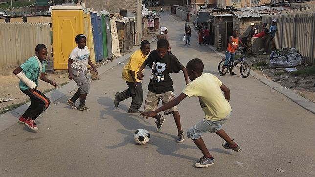 Niños de un colegio sudafricano