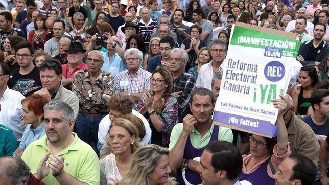 Ciudadanos y dirigentes políticos reclaman este viernes la reforma de la ley electoral de Canarias