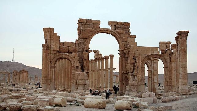 El Estado Islámico siembra de bombas y minas las históricas ruinas de Palmira