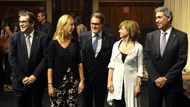 Los nuevos consejeros, junto al presidente Mas