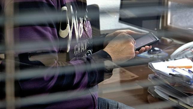 Prohibida la contratación de servicios 'SMS PREMIUM' a través de Internet