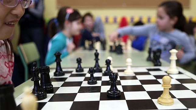 Más de mil colegios en España ya ofrecen ajedrez como asignatura o extraescolar